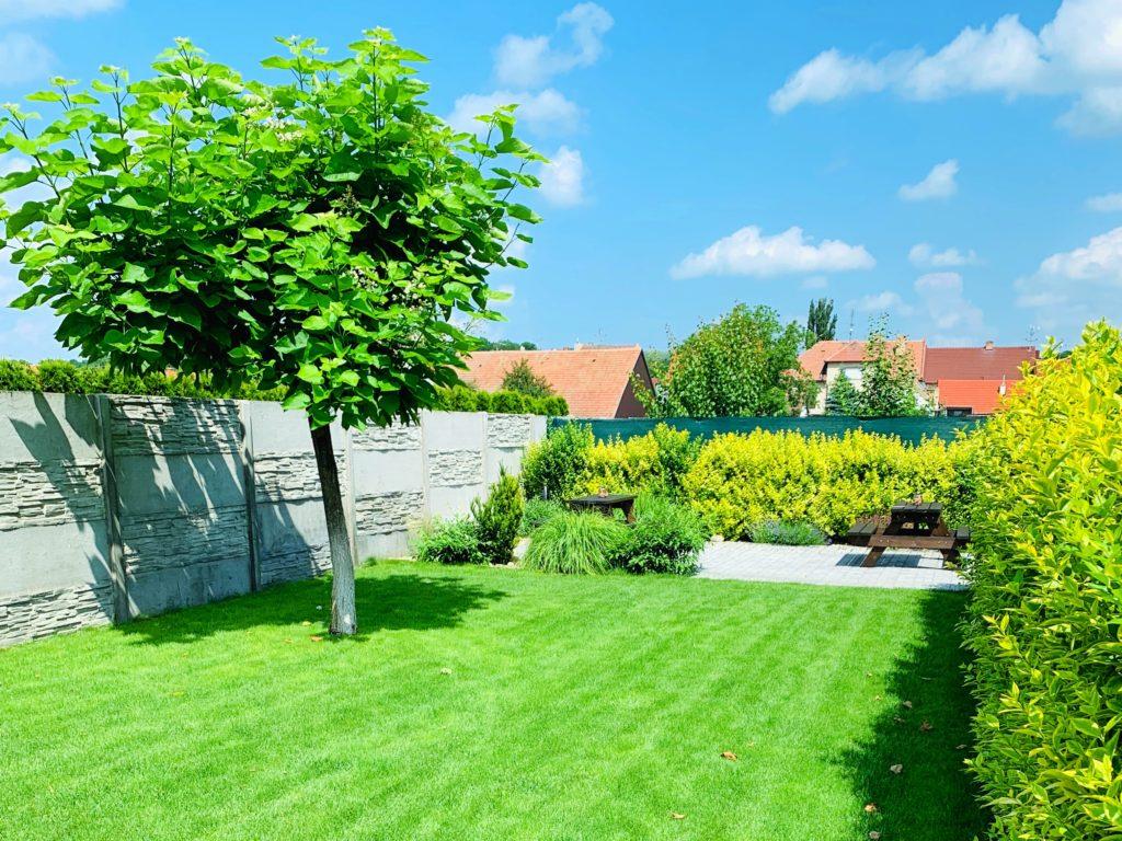 Zahrada pro relax a odpočinek nebo piknik.